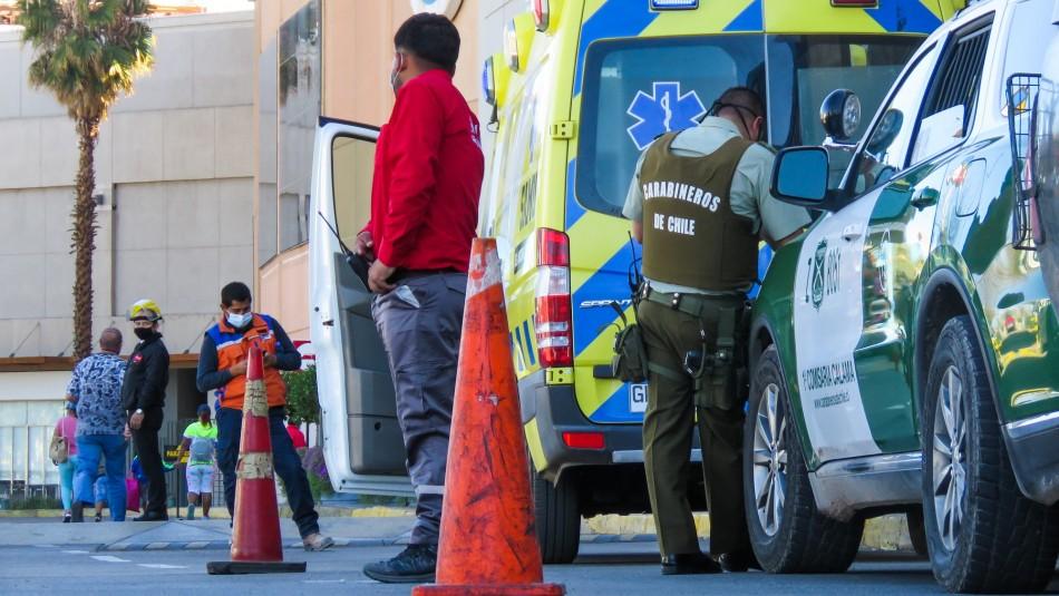 Hombre muere mientras espera en la fila de un mall de Calama