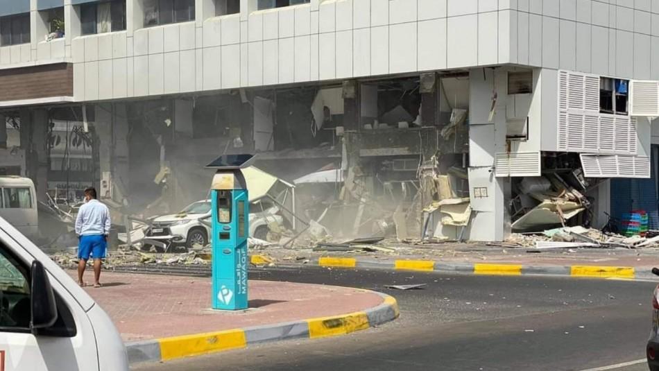 Violenta explosión afecta a un edificio en Emiratos Árabes Unidos