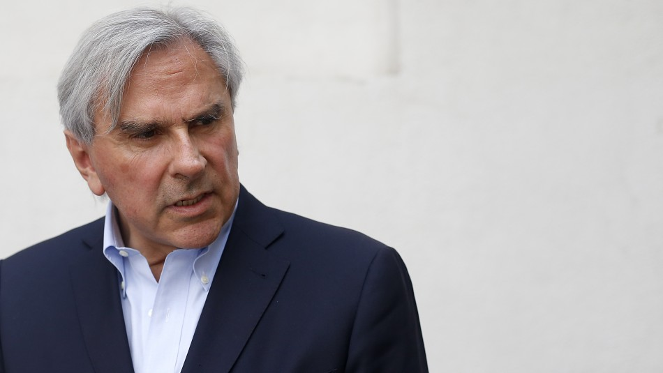 Moreira amenaza con renunciar a la UDI si llaman a votar