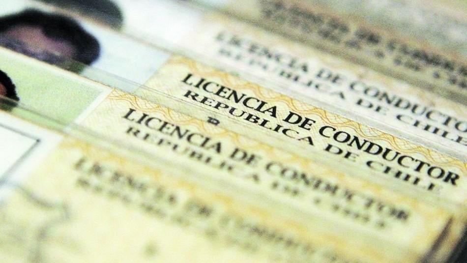 Denuncian ventas de licencias de conducir falsas.
