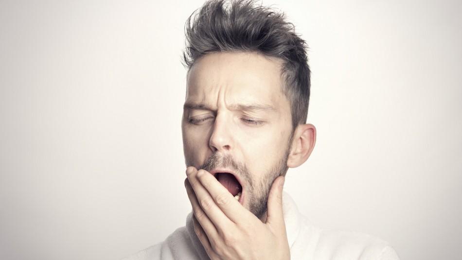 Cambio de hora: Expertos advierten sobre problemas para conciliar el sueño
