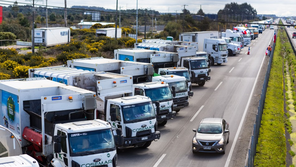 Camioneros suspenden paro: Si no se cumple lo que hemos acordado, volveremos a las carreteras