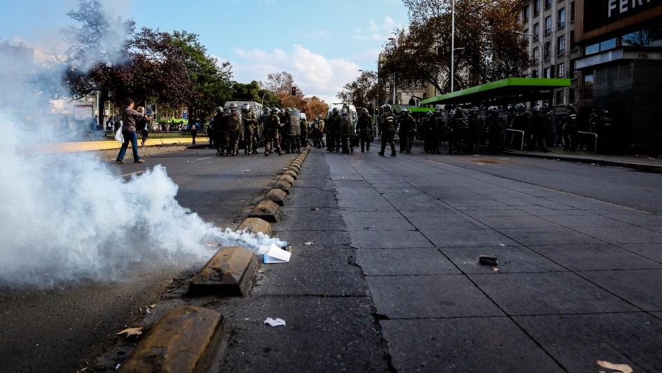 Condenan a 5 años de cárcel a hombre por lanzar bombas molotov contra Carabineros