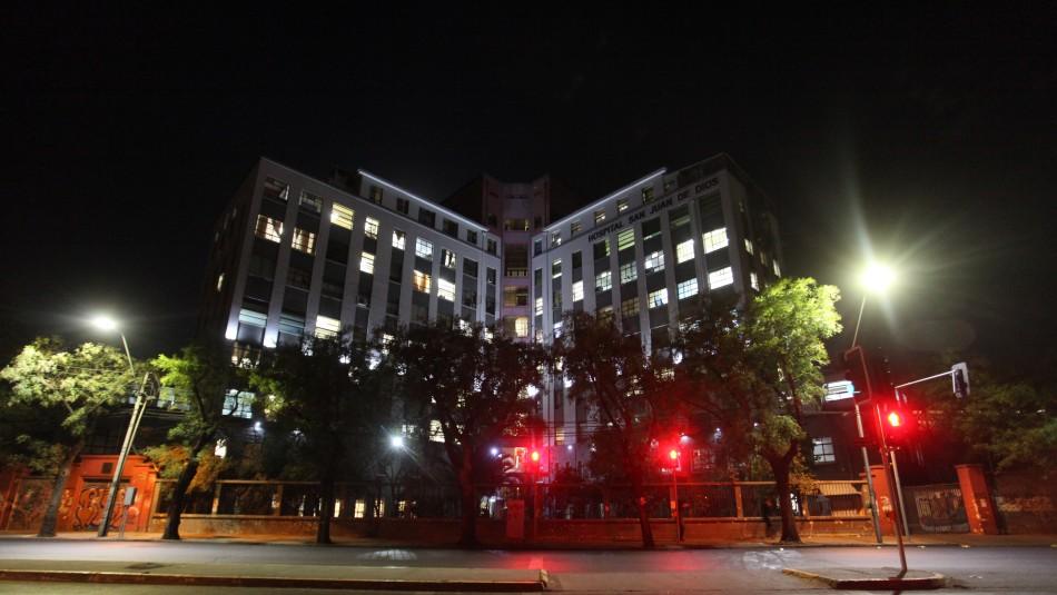 Denuncian que guardias de hospital golpearon y escupieron a joven trans