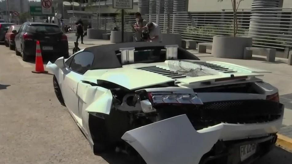 Costoso Lamborghini colisiona con un Chevrolet Corsa y conductor se da a la fuga