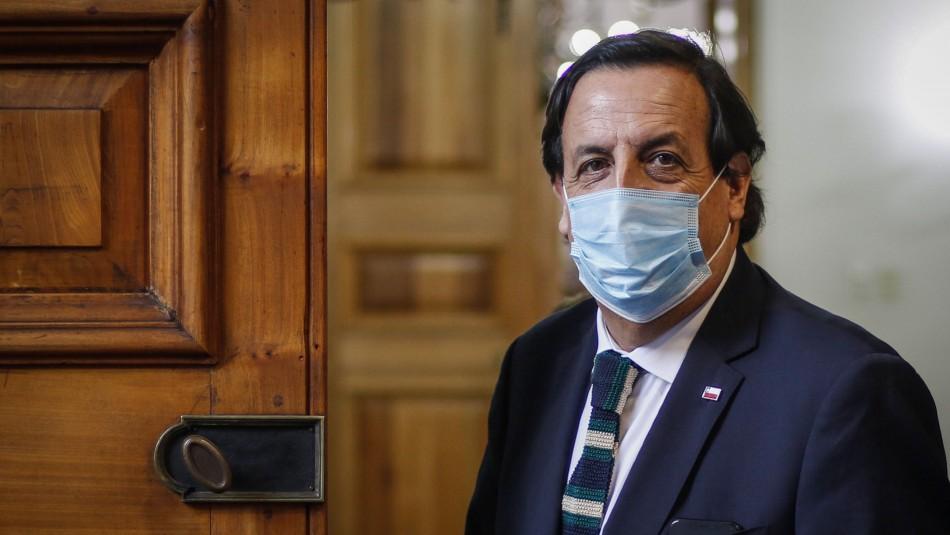 Oposición insiste en acusación constitucional contra ministro Pérez