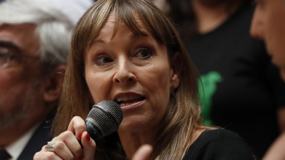 Ana María Gazmuri denuncia que su hija fue detenida por poseer 4 plantas de cannabis