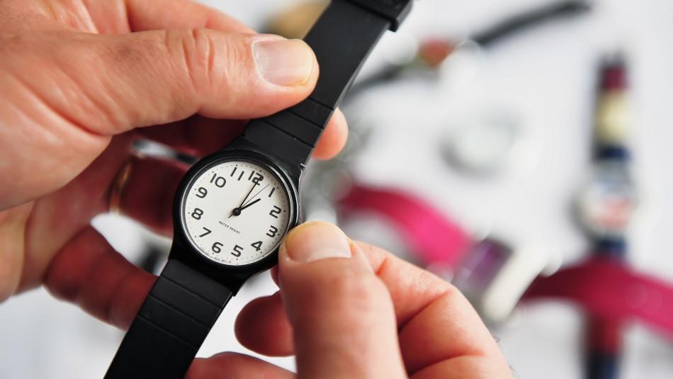 Comienza el Horario de Verano: Revisa la hora oficial de Chile