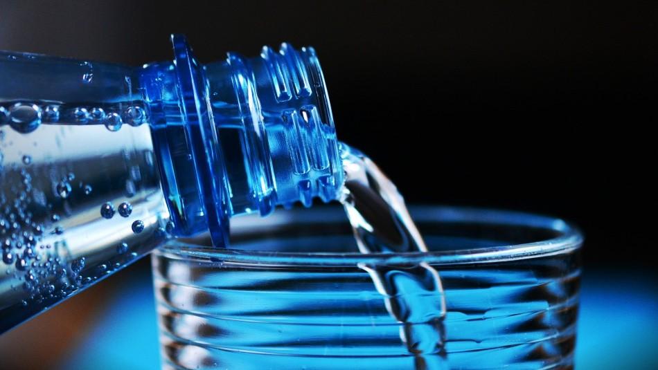Beber agua en exceso también es peligroso: Cuidado con la