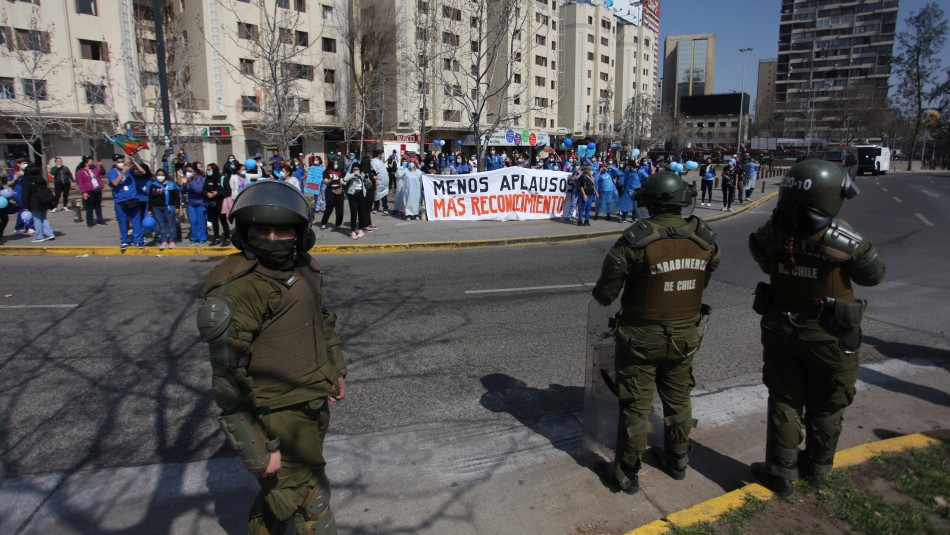 Ocho personas resultaron detenidas en manifestación de funcionarios de la salud en la Alameda