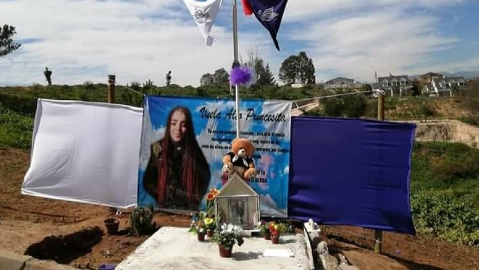 Instalan animita de Ámbar Cornejo frente a la casa del acusado de su crimen en Villa Alemana