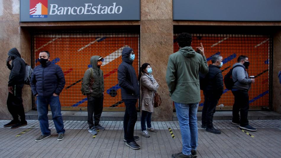 Largas filas en BancoEstado.