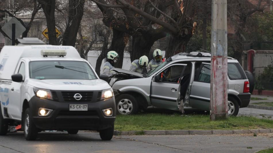 Sujeto muere tras chocar un auto que acababa de robar en un portonazo