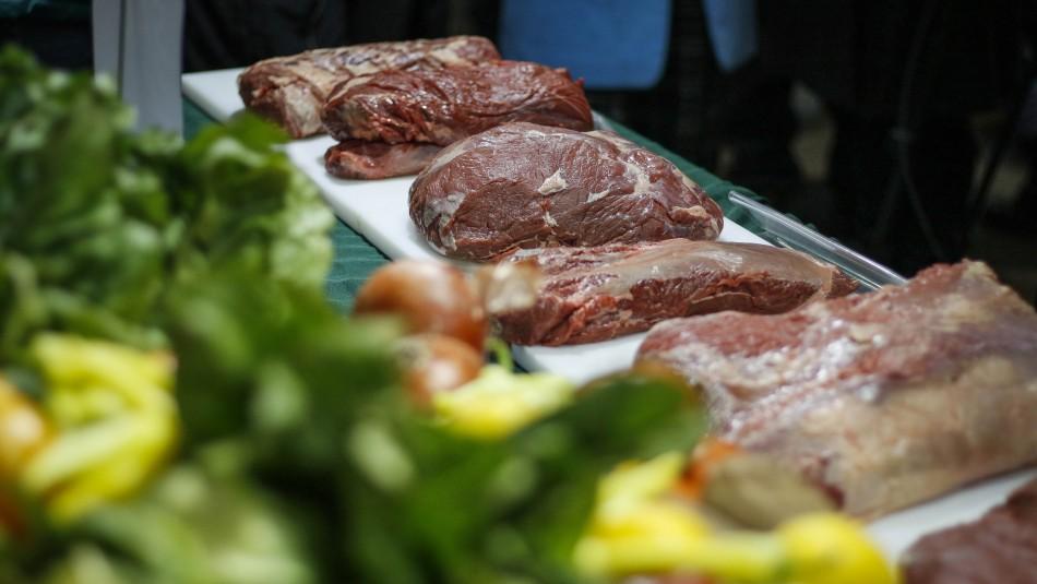 IPC de agosto anota variación de 0,1%: Suben de precio vestuario, carnes y el tomate