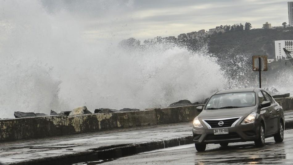 Olas de hasta cuatro metros: Armada anuncia marejadas en las costas del país