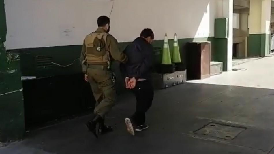 Adolescente es detenido 5 minutos después de haber sido liberado en Valparaíso