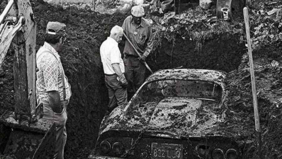 La increíble historia del exclusivo Ferrari encontrado bajo tierra en un jardín familiar