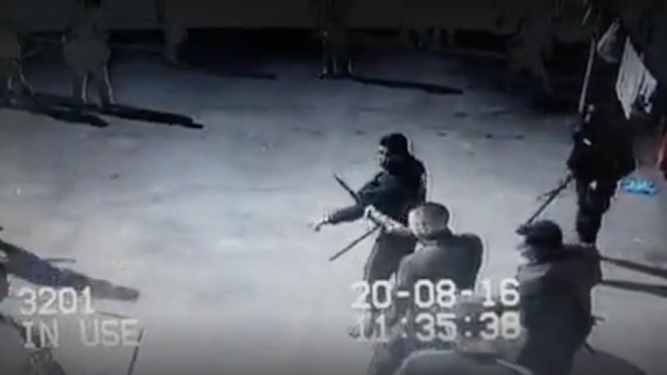 Video muestra a gendarme utilizando un
