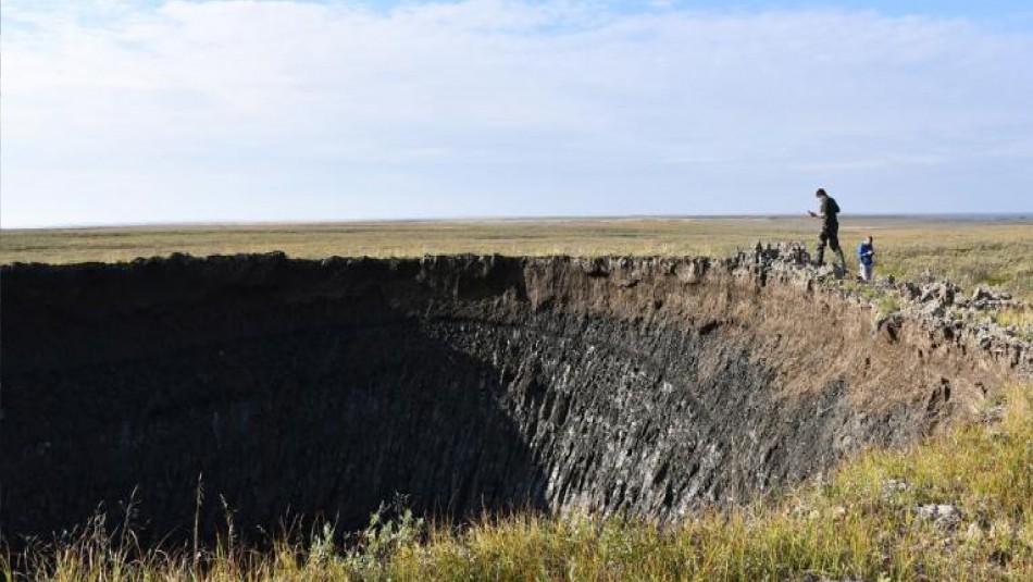 Misteriosos agujeros en la tundra siberiana podrían estar relacionados con el cambio climático
