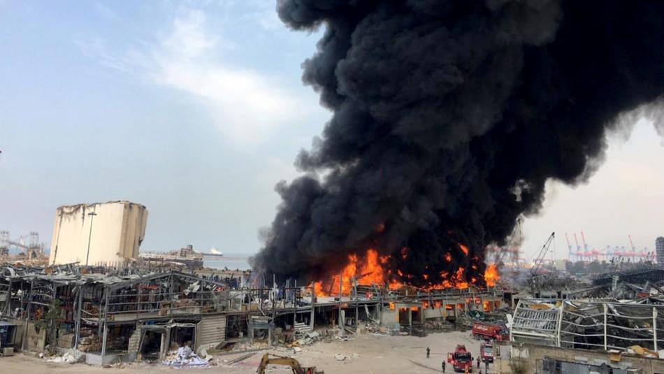 Gigantesco incendio en el puerto de Beirut semanas después de la devastadora explosión