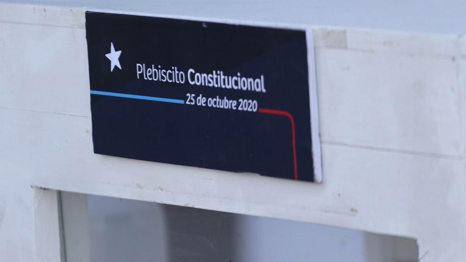 Kits en locales de votación y sanitización de buses: Así quedó el protocolo para el Plebiscito