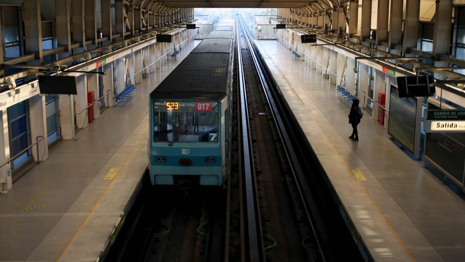 Tres estaciones de Metro reabrirán sus puertas este lunes tras 11 meses cerradas