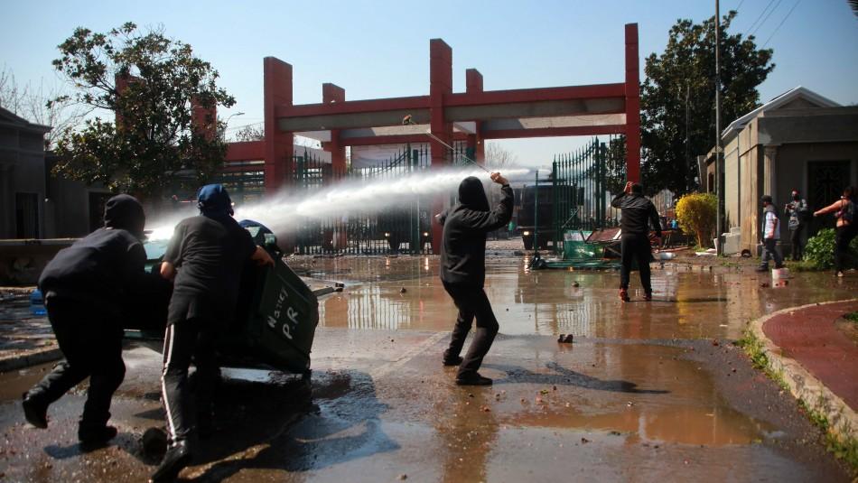 Barricadas y estación de Metro cerrada tras incidentes menores cerca del Cementerio General
