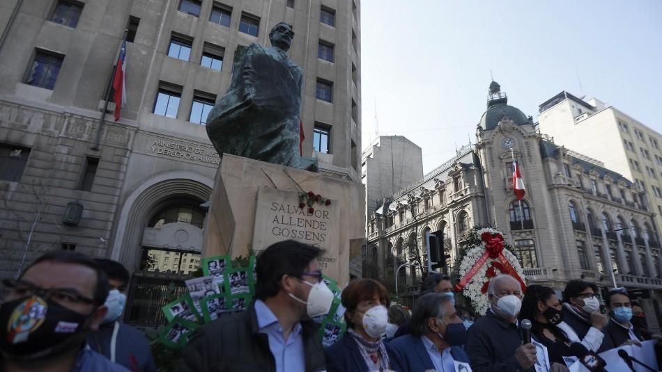 PC rinde homenaje a Allende y víctimas de la dictadura a 47 años del golpe militar