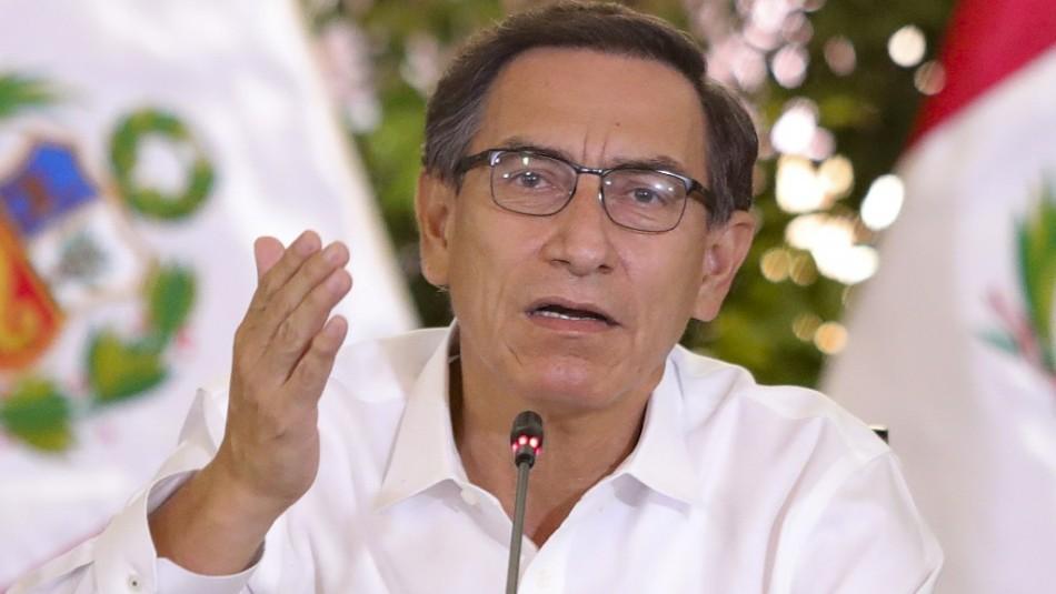 Presidente peruano Martín Vizcarra se disculpa y acusa conspiración para destituirlo
