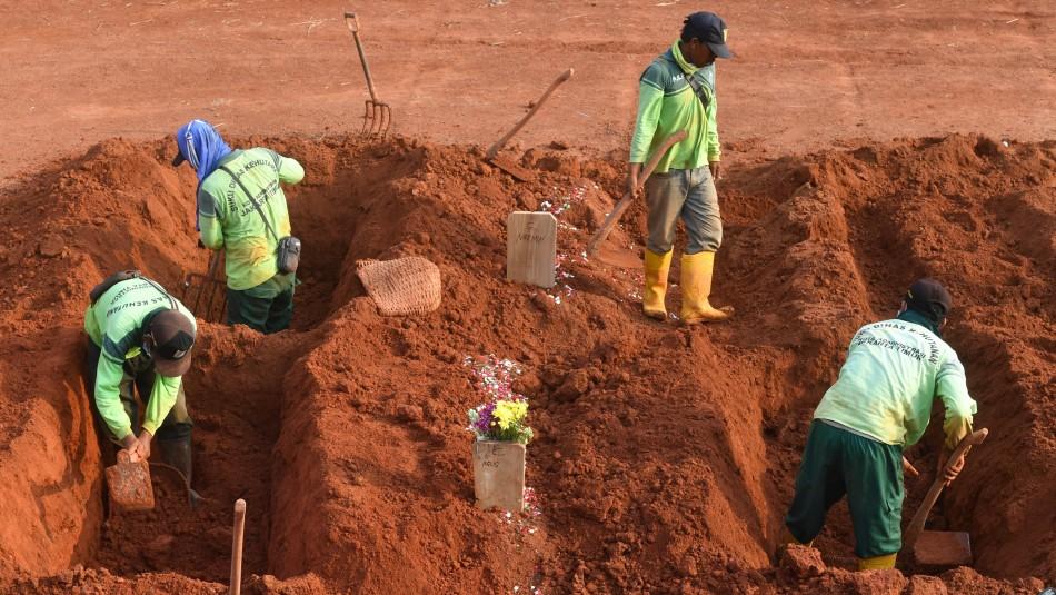 Indonesia castiga a los habitantes que no usen mascarilla: Deberán cavar tumbas
