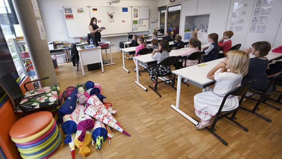 Francia cierra más de 80 escuelas en quince días por nuevos casos de coronavirus