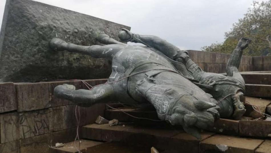 Indígenas colombianos derriban estatua de conquistador español