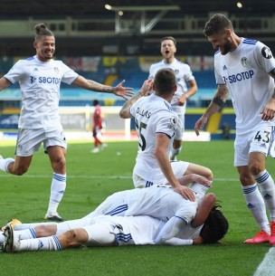 Leeds de Bielsa consigue su primer triunfo en la Premier League en