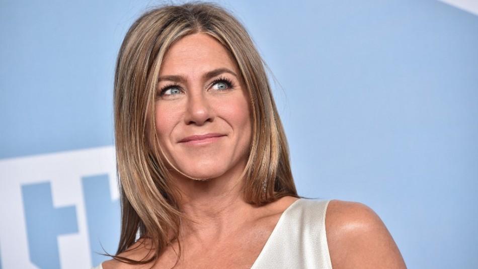 Apostó a la elegancia clásica: Jennifer Aniston deslumbra con su vestido en Premios Emmy