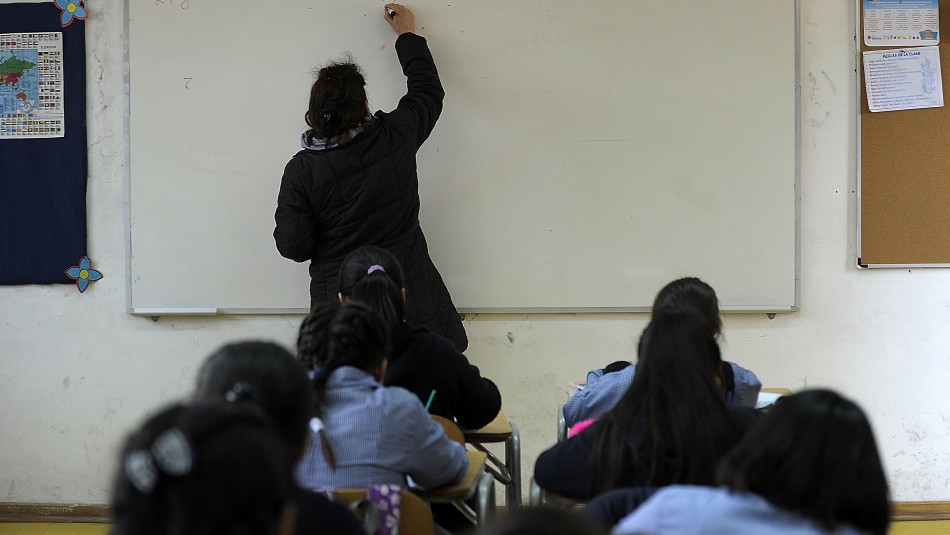 Suspenden Evaluación Docente durante 2020 aunque profesores deben solicitarlo