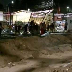 Vecinos protestan por construcción de guetos verticales en Pudahuel