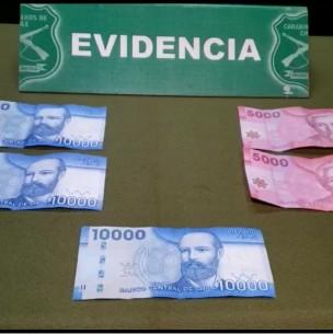 Mujer es detenida tras intentar sobornar a carabineros con 40 mil pesos