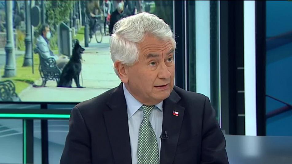 Ministro Paris habla de todo: