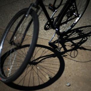Ciclista fallece tras ser colisionado por una camioneta en Pudahuel