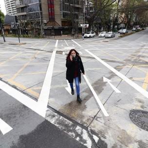 Implementan cruces peatonales estilo tokio en calles de Viña del Mar