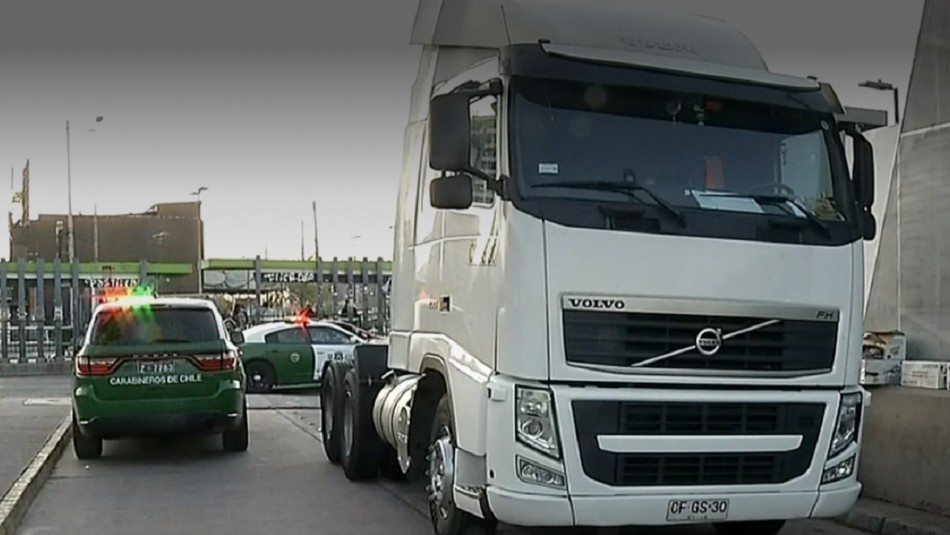 Persona muere atropellada por camión en La Cisterna: Habría intentado asaltar al conductor