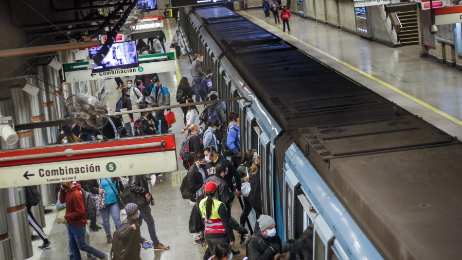 8 comunas a Transición y 12 a Preparación en la RM: Cómo funcionará el transporte y movilidad