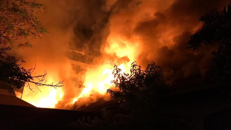 Incendio afectó a hogar de ancianos en Providencia: 8 residentes fueron evacuados