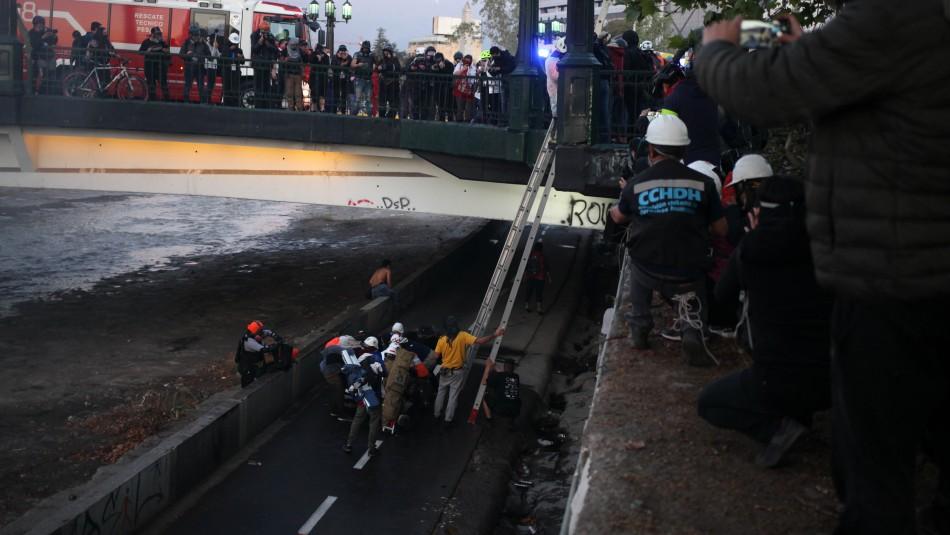 Gobierno ordena a Carabineros separar a funcionario involucrado en caída de joven desde puente