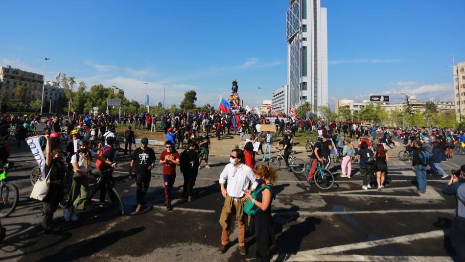 Se registra manifestación en Plaza Italia y se cierra estación del Metro