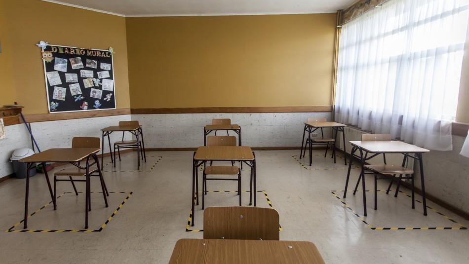 Este lunes cuatro colegios de la RM vuelven a clases presenciales