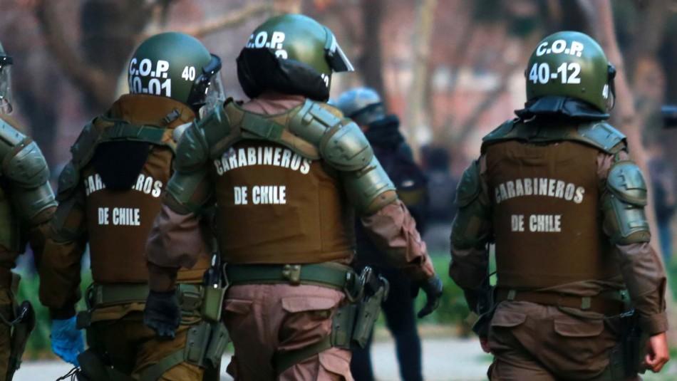 Dos carabineros acusados de tortura en Peñalolén quedan en prisión preventiva
