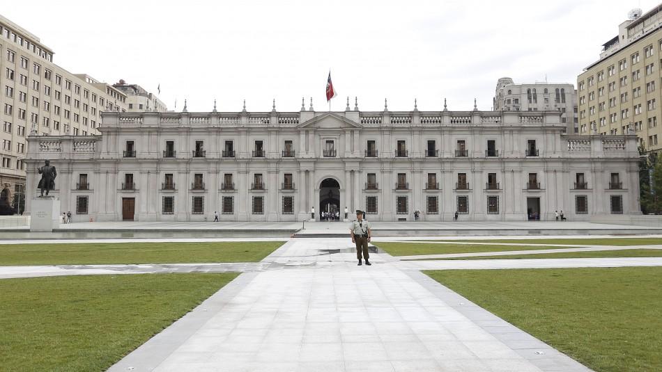 Confirman tres casos activos de coronavirus al interior del palacio de La Moneda