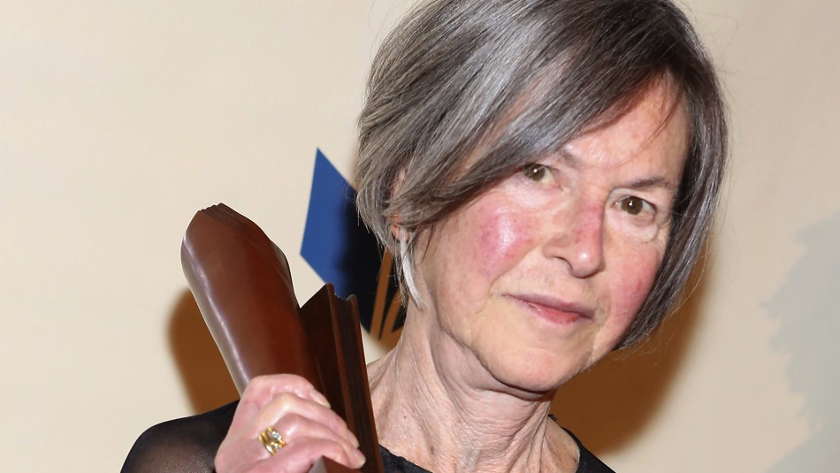 La poeta estadounidense Louise Gluck gana el Premio Nobel de Literatura