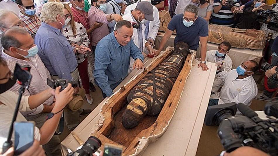 Hallazgo milenario: Así lucen las momias de hace 2.600 años descubiertas en Egipto